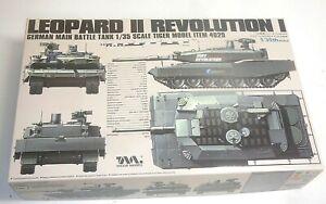LEOPARD 2 MBT REVOLUTION 1 BAUSATZ TIGER MODEL + VOYAGER ZUBEHÖRSET 1:35 4629