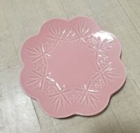 NEW (4) PINK SCALLOP SHAPED SIDE  DESSERT PLATES FALL HOME DINING DECOR
