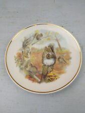 Squirrels decorative plate Susan Beresford 6 ins diameter