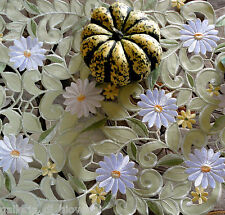 """Field of Daisies Lace 33"""" Table Topper  Doily Daisy Green  Flower"""