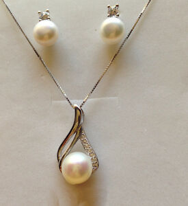 Genuine Cultured Freshwater Pearl Necklace And Earring  9-10mm S925 Silver
