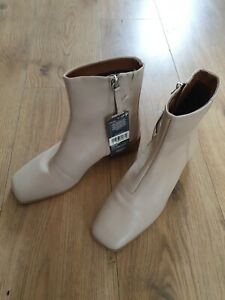 M&S  LEATHER UPPER  BEIGE ANKLE BOOTS UK SIZE 5