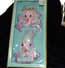 Vtg MILLER STUDIO Chalkware OCTAVIA & SID SQUID Boxed PURPLE Fish Plaques  RARE