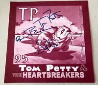 RARE TOM PETTY & THE HEARTBREAKERS SIGNED BACKSTAGE SIGN, W/ SET LIST, 1995 TOUR
