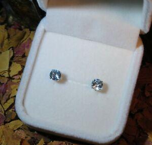 Pretty genuine natural Sky Blue Topaz 5mm round sterling silver stud earrings 🔵