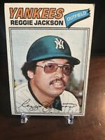 1977 Topps Reggie Jackson New York Yankees #10 Baseball Card