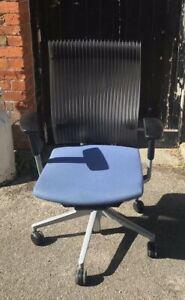 ITOKI Desk Swival Chair