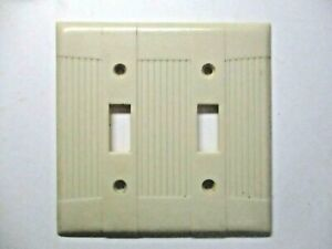 Eagle Tuxedo Deco Ribbed Beige Bakelite 2-Gang Switch Plate Wall Cover Vintage