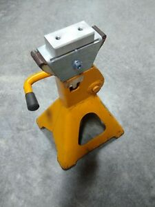 Jack stand adapter BMW