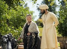PHOTO CONFIDENT ROYAL  - JUDI DENCH, ALI FAZAL (P3) FORMAT 20X27 CM