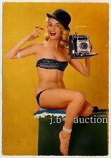PINUP GIRL w CAMERA * KAY WINTER m LINHOFF KAMERA & ZIGARRE * Vintage 60s PC/AK