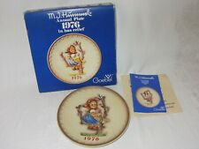 1976 Goebel Hummel Annual Plate Bas Relief 