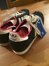 Adidas Originals Womens Navy with White stripes Low Shoes US size 6.5 (M)