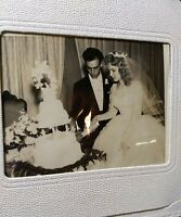 Vtg 1950s Wedding Photo Album W/ 12 Nice B&W Photos Pretty Bride Handsome Groom