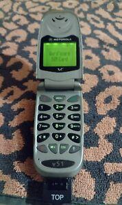 Motorola V51 vintage funziona bene cover dietro rovinato no carica batteria