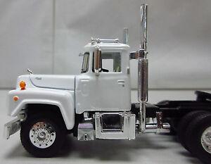 1st Gear, 1/64th scale R Model MACK White