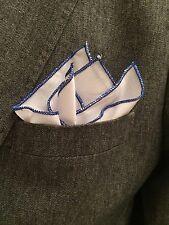 Herren Einstecktuch In Weiß mit Blauen Rollrand 33-33 cm 100%Baumwolle