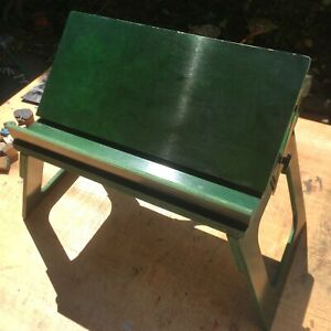 The Bed Desk by Layd Back Products Green Artist Easel