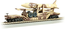 HO US ARMY DESERT MILITARY DEPRESSED FLAT CAR W/ MISSILE 18344  BACHMANN
