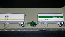 Athearn Spartan Express 2-28' wedge trailers w/ dolly