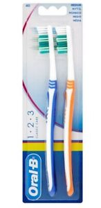 Oral-B 123 Classic Care Medium Adult Family Manual Toothbrushes 2 Pack