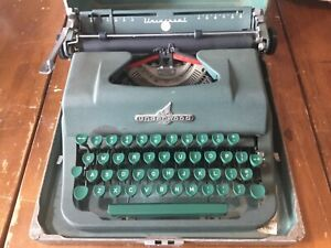 Vintage Retro Underwood Universal Typewriter All Green Works with Case