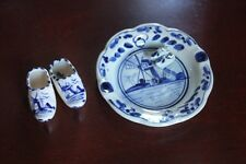 VINTAGE CHINA CLOGS AND ASHTRAY