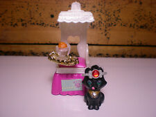 Vintage Littlest Pet Shop Royal Bombay Kitty with Kitty Throne 1994 Kenner