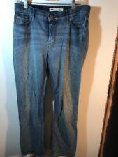 LEVIS 525 Womans size 12 (33x30) Perfect Waist Straight Leg Medium Wash Denim