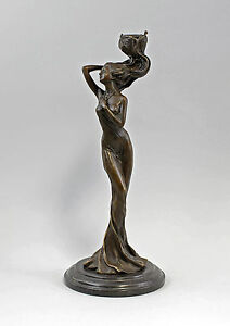 9937569-dss Bronze Long-Legged Beauty as Candlestick