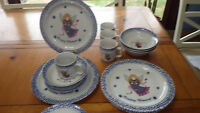 Country Blessings Dinnerware Stoneware 16 Piece Dinnerware Set EUC