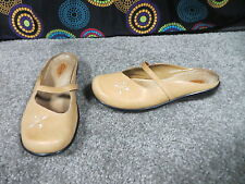 Clarks Light Golden Tan Leather Slip On Comfort Slides w/Cut Out Design, sz 7M