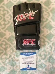 Dan Henderson Signed UFC Glove COA BAS Beckett #C53309 Autograph