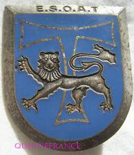 IN8551 - INSIGNE E.S.O.A.T, lion gravé, dos guilloché embouti, G2551 horizontal