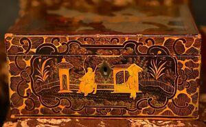Ancien Coffret laqué XIXème Japon  ; superbe