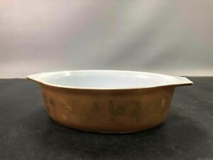 Early American Oval Pyrex Baking Dish