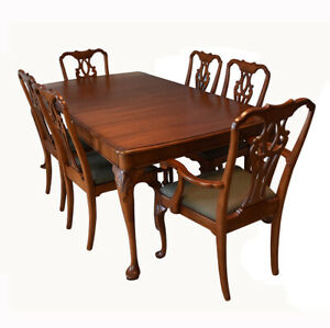 Pristine ENGLISH 1940's Elegant Queen Anne Sideboard/Buffet Table and 6 Chairs