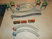 VINTAGE ORIGINAL MARX MOUNTAINEER TIN WIND-UP TRAIN-PASSENGER-CAR TRACK ETC!!!!