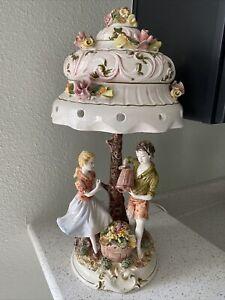 capodimonte porcelain lamp