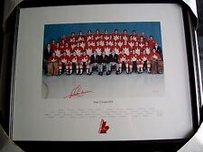 1972 SUMMIT SERIES TEAM CANADA LMT EDITION TEAM PICTURE SIGNED BY PAUL HENDERSON