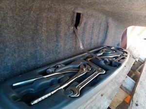 Bmw 3 E46 Spare Tyre Tools