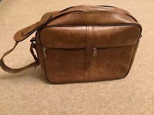 70s 80s Vintage Retro Tan Brown Shoulder Flight - Carry on Zip Bag - Holdall