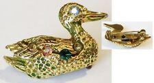 broche rétro bijou vintage couleur or canard gravé relief cristaux boréalis 5038