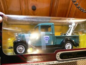 Road Signature 1:18 Scale Diecast ; 92257 1934 ford pick up wrecker blue