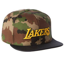 adidas Originals Damen Herren NBA Lakers Snapback Trucker Cap Camouflage AY9397