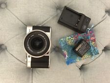 Fujifilm X-A5 Mirrorless Camera with 15-45mm Lens + 1 Battery & Charger Used