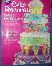 WILTON 2012 YEARBOOK OF CAKE DECORATING - EUC