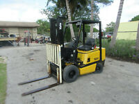 "Yale GPO040 4000 LB Gas Forklift Side Shift  - Lift 127""  2 stage 2432 hrs"