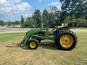 John Deere 2640 2WD Loader Tractor with 2302 Hours
