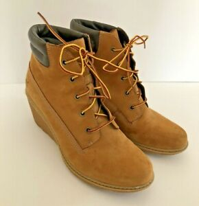 Timberland Women's Wedge Boots Wheat Color Size 9 US